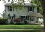 Foreclosed Home en BENSON LN, Trenton, NJ - 08610