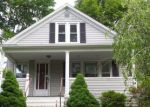 Foreclosed Home en HOBSON AVE, Meriden, CT - 06451
