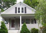 Foreclosed Home en HOBSON AVE, Meriden, CT - 06451