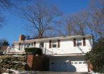 Foreclosed Home en HAMILTON HILL RD, Chepachet, RI - 02814