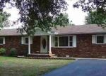Foreclosed Home en CLARKS FERRY RD, Ledbetter, KY - 42058
