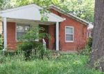 Foreclosed Home en CRAIG AVE, Louisville, KY - 40215