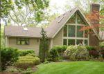 Foreclosed Home en MOOSEHORN RD, East Greenwich, RI - 02818