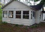 Foreclosed Home en W OAKLEY RD, Harrison, MI - 48625