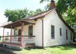 Foreclosed Home en E 9TH ST, Alton, IL - 62002