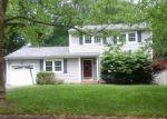 Foreclosed Home en EMORY DR, Lincroft, NJ - 07738