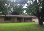 Foreclosed Home en CLINTON ST, Longview, TX - 75604