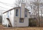 Foreclosed Home en COTSWOLD RD, Tobyhanna, PA - 18466