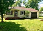 Foreclosed Home en N 15TH EXT, Mayfield, KY - 42066