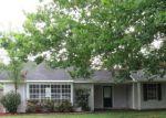 Foreclosed Home in PINE GARRISON RD, Denham Springs, LA - 70706