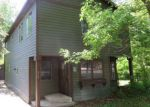Foreclosed Home en E HAWTHORNE DR, Round Lake, IL - 60073
