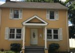 Foreclosed Home en LORRAINE ST, Bridgeport, CT - 06604