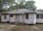 Foreclosed Home en SARATOGA BLVD, Jacksonville, FL - 32208