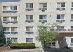 Foreclosed Home en GRAND AVE, Palisades Park, NJ - 07650
