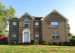 Foreclosed Home en HEATHERWOOD TRCE, Clarksville, TN - 37040
