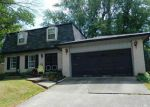 Foreclosed Home en DRAWBROOK CIR, New Albany, IN - 47150