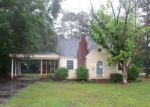 Foreclosed Home en N DICKSON ST, Raeford, NC - 28376