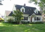 Foreclosed Home en CRESCENT DR, Albany, NY - 12208