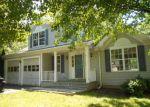 Foreclosed Home en ACORN LN, Milford, CT - 06461
