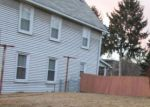 Foreclosed Home en CLIFF ST, Pittston, PA - 18640