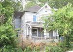 Foreclosed Home en GREENWOOD ST, Alton, IL - 62002