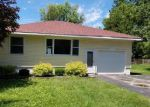 Foreclosed Home en S SCHEID LN, Mchenry, IL - 60051