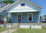 Foreclosed Home en S 36TH ST, Louisville, KY - 40211