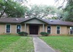 Foreclosed Home en E 17TH ST, Cameron, TX - 76520