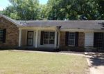 Foreclosed Home en WYCHEMERE DR, Memphis, TN - 38128