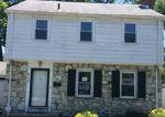 Foreclosed Home en SUTHERLAND RD, Trenton, NJ - 08618