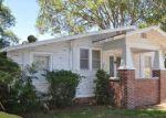 Foreclosed Home en BONAIRE DR, Leesburg, FL - 34748