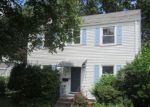 Foreclosed Home en MIDDLE TPKE W, Manchester, CT - 06040