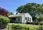 Foreclosed Home en BLUEBERRY HILL RD, Groton, CT - 06340