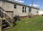 Foreclosed Home en MCIVER RD, Raeford, NC - 28376