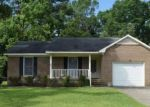 Foreclosed Home en BERWICK DR, Raeford, NC - 28376