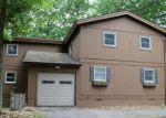 Foreclosed Home en BEARTRAP MOUNTAIN RD, Greentown, PA - 18426