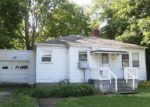 Foreclosed Home en E WALNUT AVE, Painesville, OH - 44077