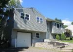 Foreclosed Home en ALLEN RD, Torrington, CT - 06790