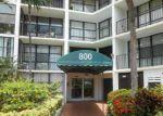 Foreclosed Home en PARKVIEW DR, Hallandale, FL - 33009