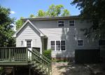 Foreclosed Home en SLEEPY HOLLOW RD, Christiansburg, VA - 24073