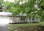 Foreclosed Home en COLE RD, Camden, TN - 38320