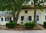 Foreclosed Home en RAILROAD AVE, Charlestown, RI - 02813