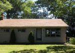 Foreclosed Home en LOCKE HEIGHTS RD, Bangor, PA - 18013