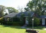 Foreclosed Home en RYAN RD, Utica, MI - 48317