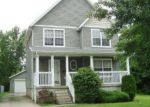 Foreclosed Home en E 108TH ST, Cleveland, OH - 44104