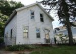Foreclosed Home en LONSDALE AVE, Central Falls, RI - 02863
