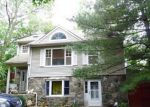 Foreclosed Home en DEACON HILL RD, Stamford, CT - 06905
