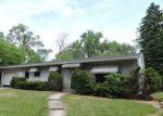 Foreclosed Home en TULSA AVE, Carpentersville, IL - 60110