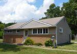 Foreclosed Home en DELSEA DR, Woodbury, NJ - 08096
