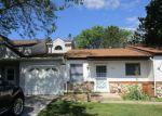 Foreclosed Home en BRIDGEWATER DR, Woodstock, IL - 60098